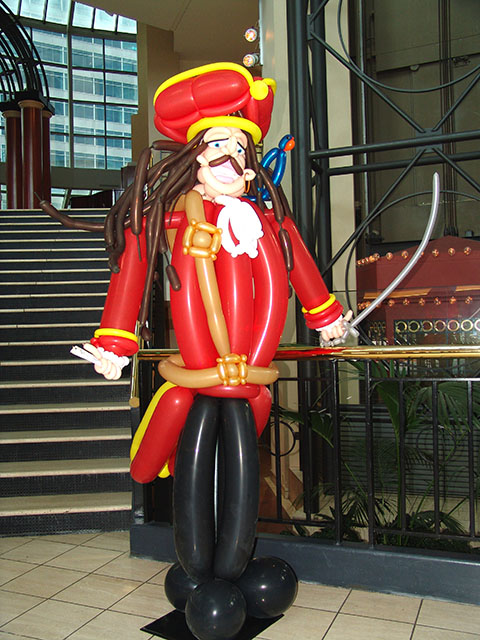 Balloon Pirate sculpture 2
